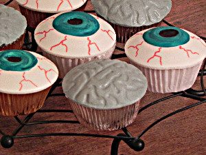 eyeballs and brains cupcakes